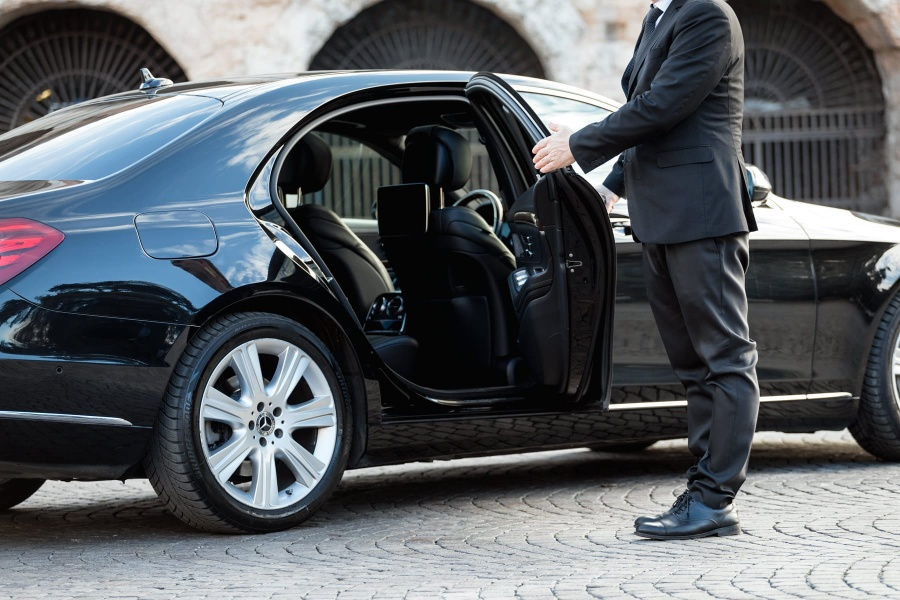 Need Private Transportation Services in Geneva
