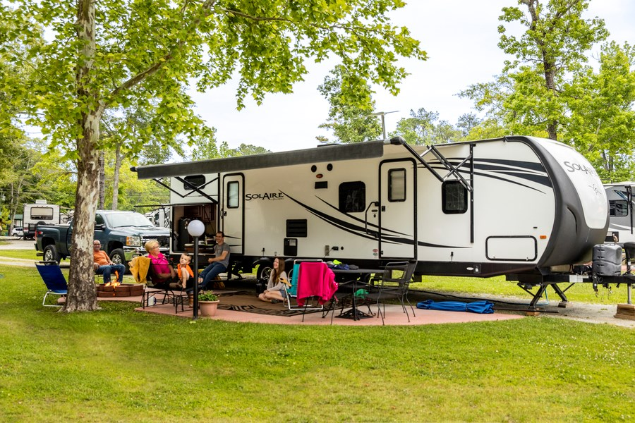 How to Stay Safe and Have A Memorable RV Road Trip?